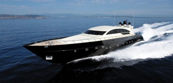 Premium yacht tour in Barcelona by mysoov