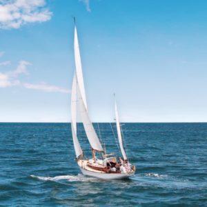 Sailboat tour in Barcelona